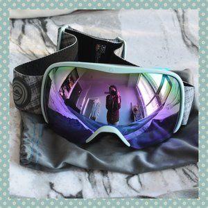 Wildhorn Snowboard / Ski Goggles